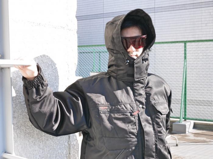 フード付きスポーツ防寒服